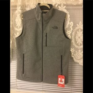 The North face men's winter vest NWT